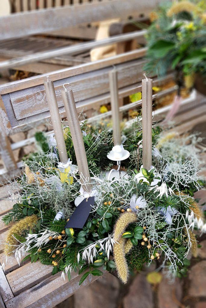 Gärtner in Wannsee bei Mutter Fourage Weihnachtsdeko, Weihnachtskränze, Weihnachtsgestecke