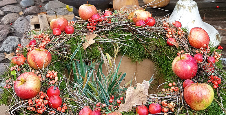 Slider Gärtner in Wannsee bei Mutter Fourage Weihnachtsgestecke